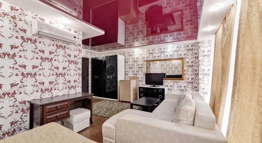 Фото номер Frant Palace Улучшенный двухместный номер с гидромассажной ванной