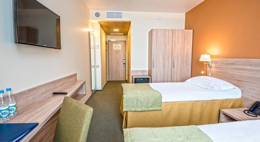Фото номер СКАЙЭКСПО Отель Стандартный двухместный номер с 1 кроватью или 2 отдельными кроватями