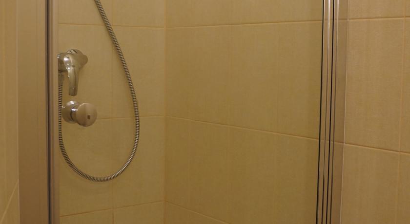 Фото номер Apartment Uyut Dom Двухместный номер с 2 отдельными кроватями и ванной комнатой