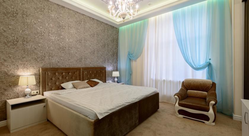 Фото номер Бутик-отель «Серебряная лошадь» (Silver Horse) Улучшенный двухместный номер Делюкс с 1 кроватью или 2 отдельными кроватями