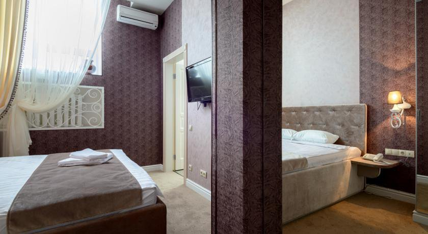 Фото номер Бутик-отель «Серебряная лошадь» (Silver Horse) Номер с кроватью размера «king-size»