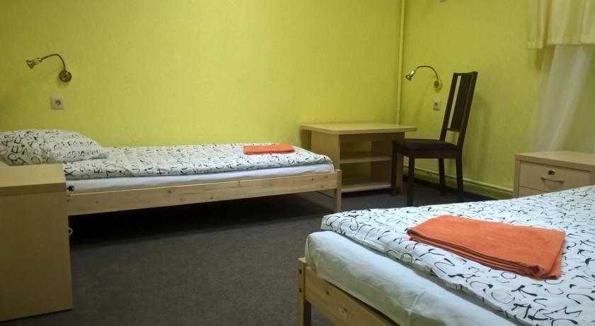 Фото номер Парк хостел Кровать в двухместном номере с двумя отдельными кроватями