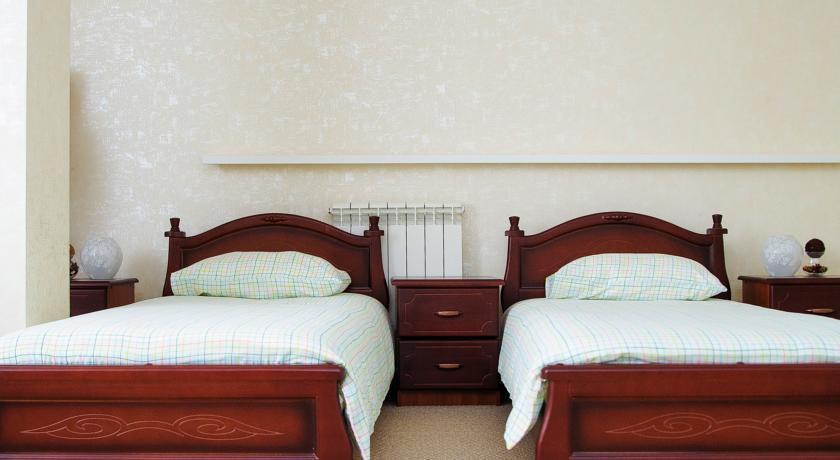 Фото номер City Отель Улучшенный двухместный номер с 2 отдельными кроватями