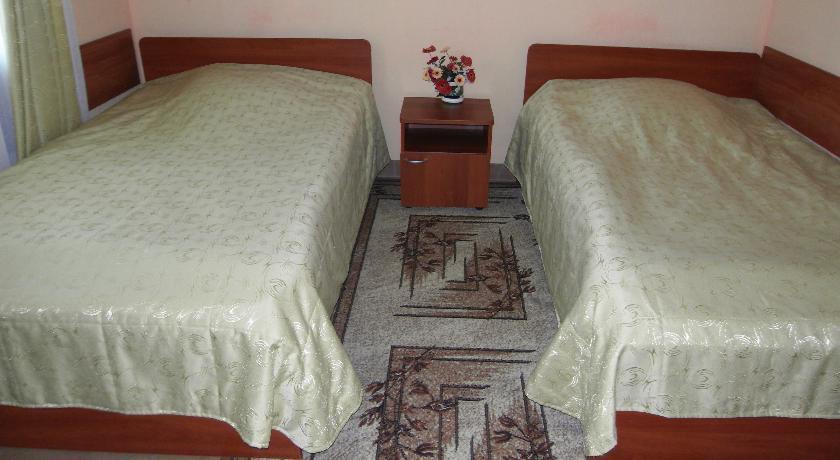 Фото номер Дворянское Гнездо Стандартный двухместный номер с 2 отдельными кроватями