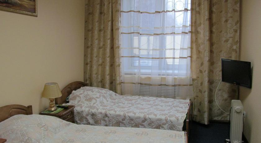 Фото номер Ника Улучшенный двухместный номер с 2 отдельными кроватями