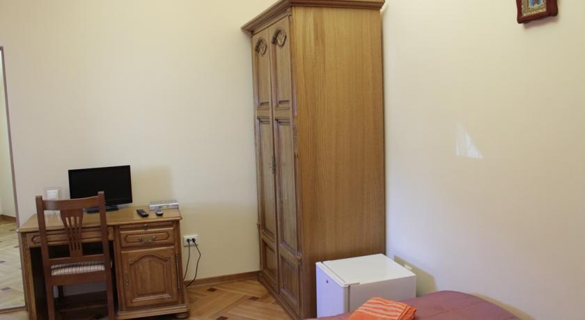 Фото номер Паломнический Дом Соборный Двор Двухместный номер с 2 отдельными кроватями