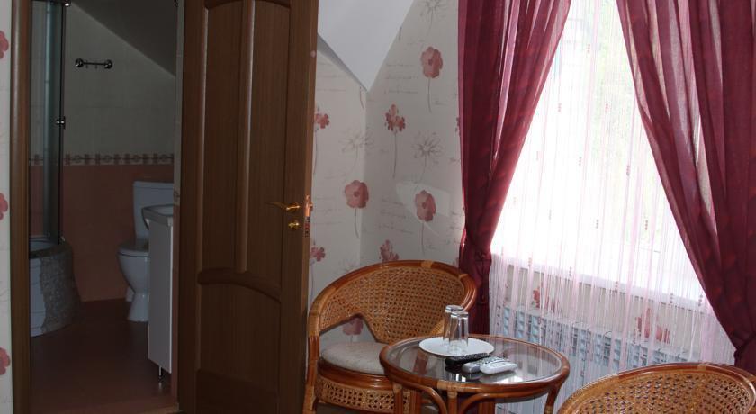 Фото номер Mini Hotel on Bolshaya Krasnoflotskaya 15B Двухместный номер Делюкс с 1 кроватью и душем