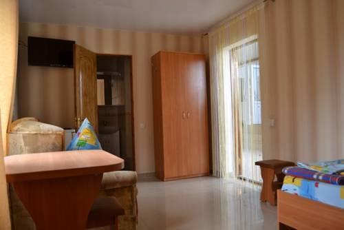 Фото номер Guest House Velta Трехместный номер с душем