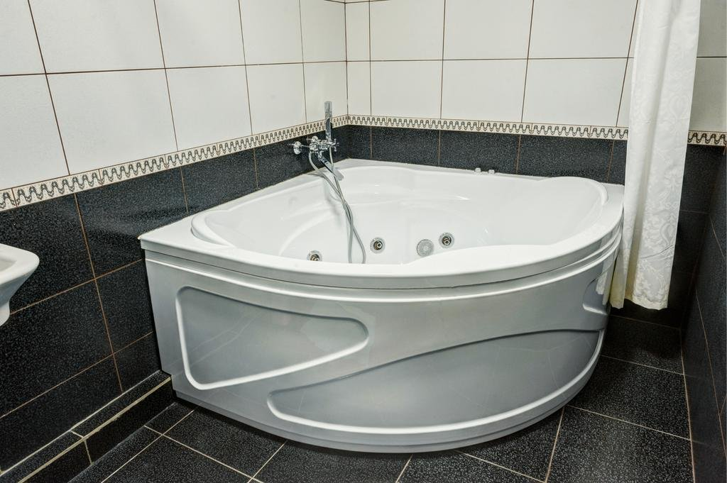 Фото номер Франт Отель Наири Люкс с гидромассажной ванной