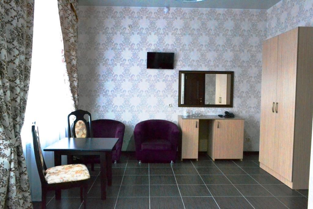 Фото номер Франт Отель на Нефтяном Двухместный (Комфорт Twin)