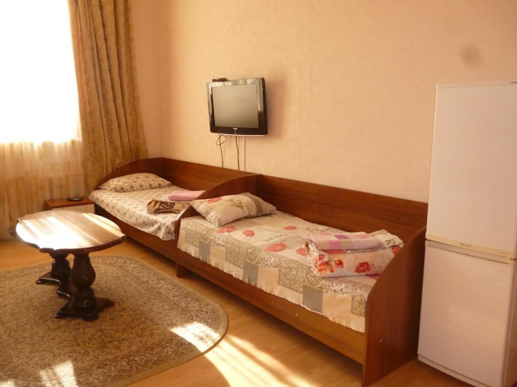 Фото номер Гостевой дом на Туманяна 6  Кровать в общем четырехместном номере