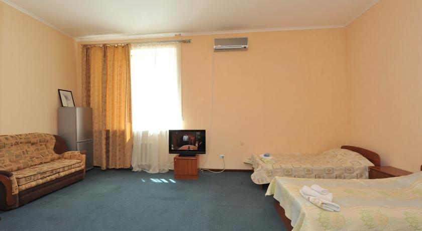 Фото номер Гостевой дом на Туманяна 6 Трехместный номер эконом-класса