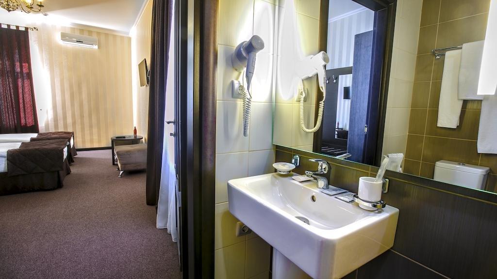 Фото номер Рест Хаус Стандартный двухместный номер с 1 кроватью