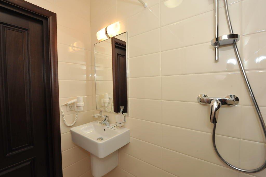 Фото номер Рест Хаус Двухместный номер Комфорт с 1 кроватью