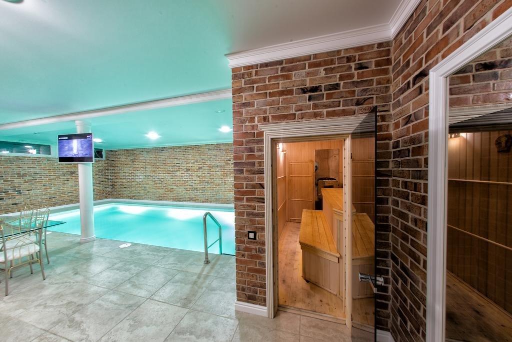 Фото номер Рест Хаус Полулюкс с собственным бассейном