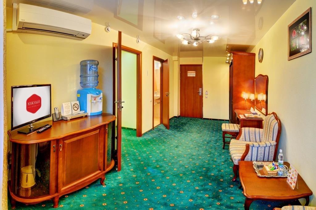 Фото номер Отель Южный Двухкомнатный номер
