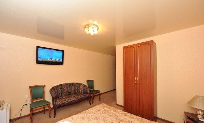 Фото номер Гостиница Каштан Двухместный номер Делюкс с 1 кроватью