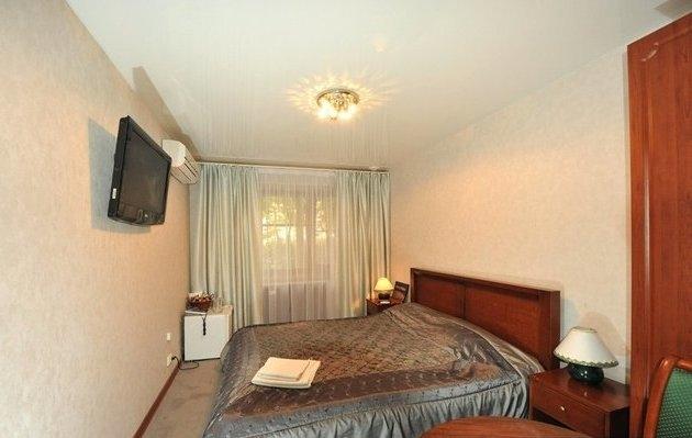 Фото номер Гостиница Каштан Стандартный двухместный номер с 1 кроватью