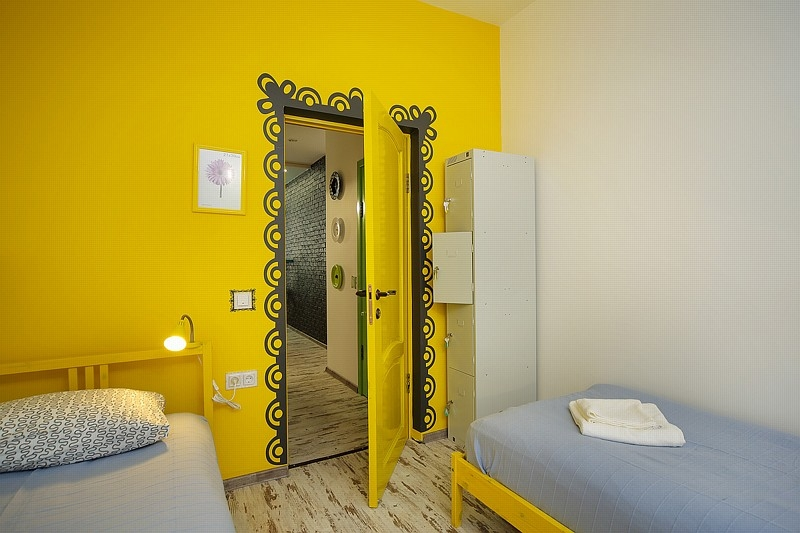 Фото номер  Акварель Желтая комната