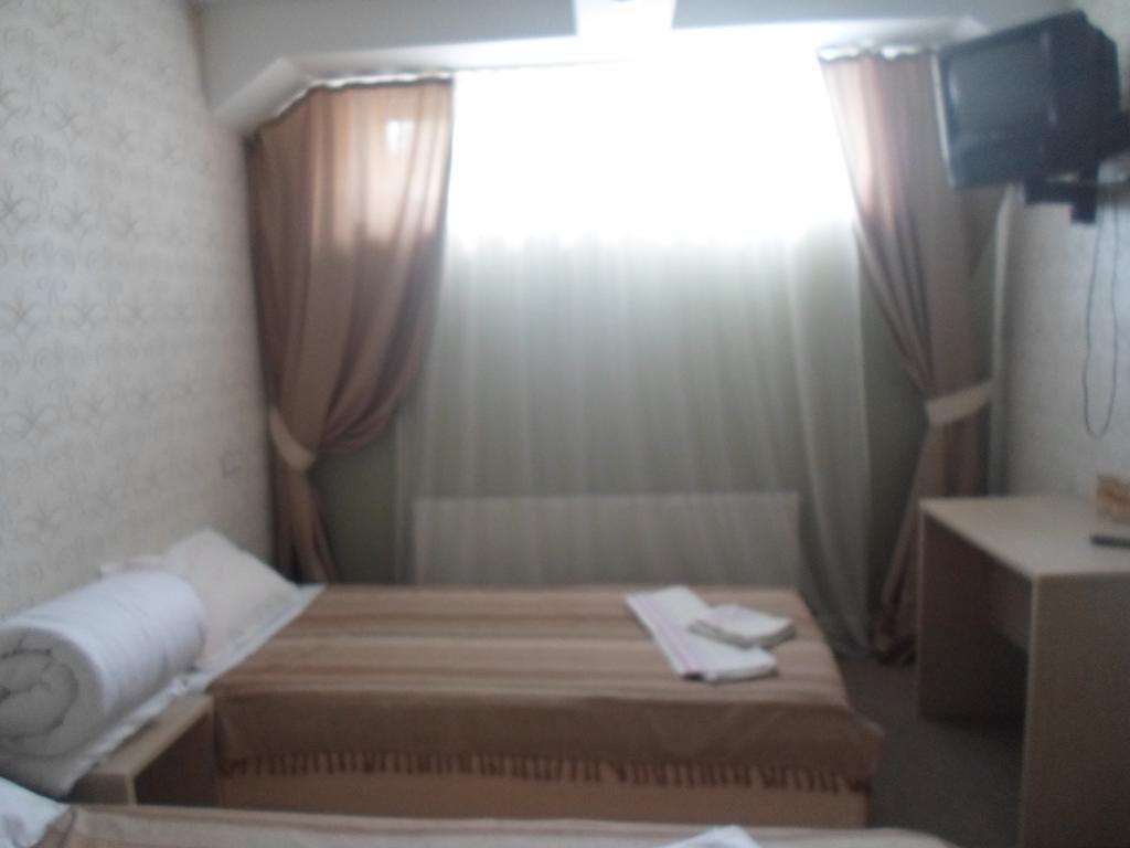 Фото номер Ламберт Бюджетный двухместный номер с 2 отдельными кроватями