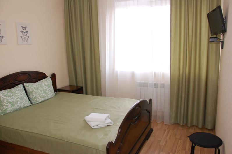Фото номер Small Двухместный номер стандарт с 1 кроватью