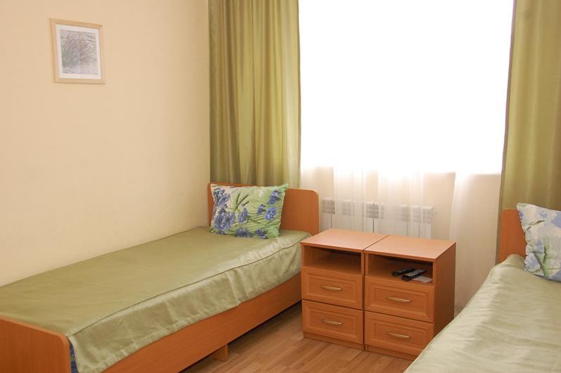 Фото номер Small Двухместный номер стандарт с 2 кроватями
