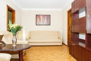 Апартаменты Apartment on Yatsenka Street near Intourist Hotel