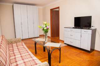 Апартаменты 2 Room Semi-luxury Apartment on Zhabotinskogo 57 near Intourist Hotel